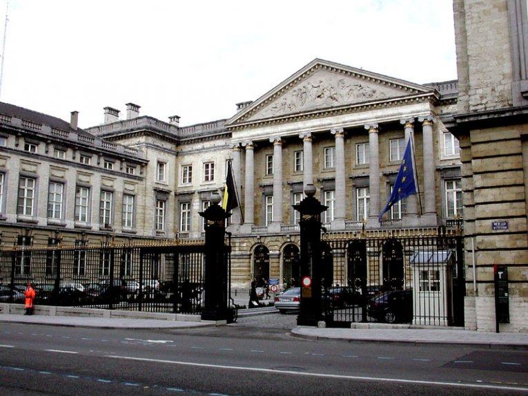 Bruessel Parlament, Belgien