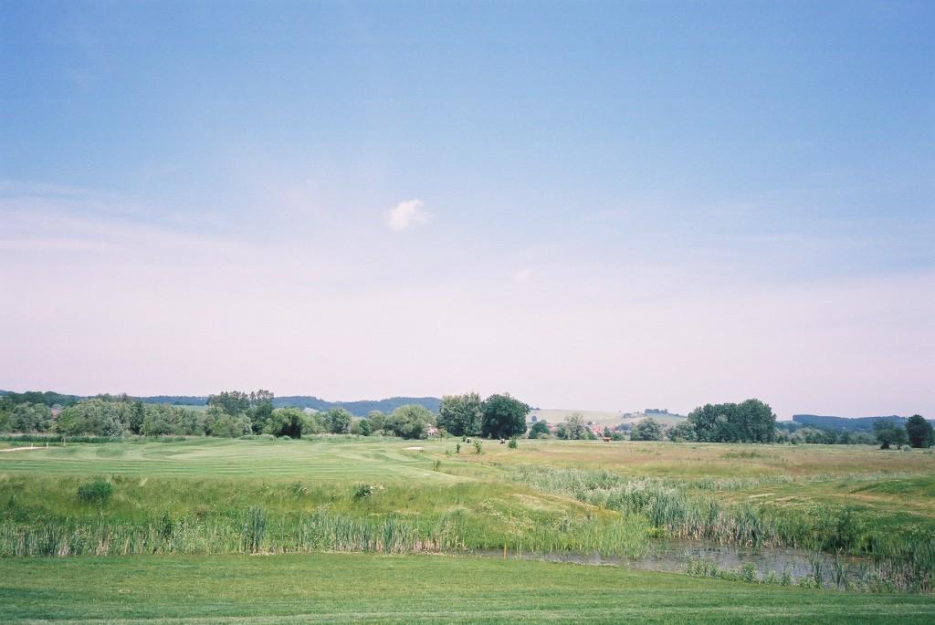 Golfplatz Mercedes-Benz, Penning