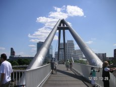 Düsseldorf, Brücke im Medienafen