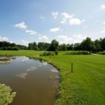 Golfclub Gut Rieden, Bayern, Am Starnberger See, Fairway am Biotop