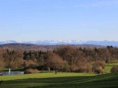 Golfclub Gut Rieden, Bayern, Am Starnberger See, Blick zu den Alpen