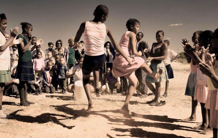 Holzmann afrikanische Taenzer