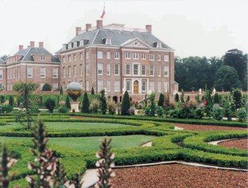 schloss-apeldorn-gelderland