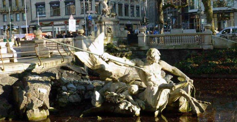 Tritonenbrunnen Koenigsallee, Düsseldorf