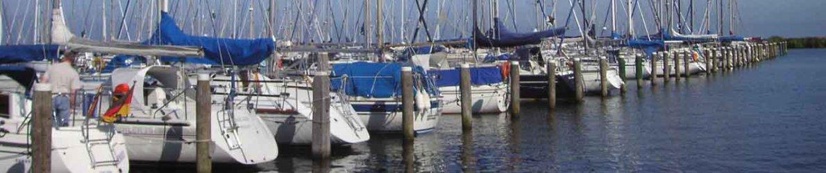 Segelboote am Ijsselmeer