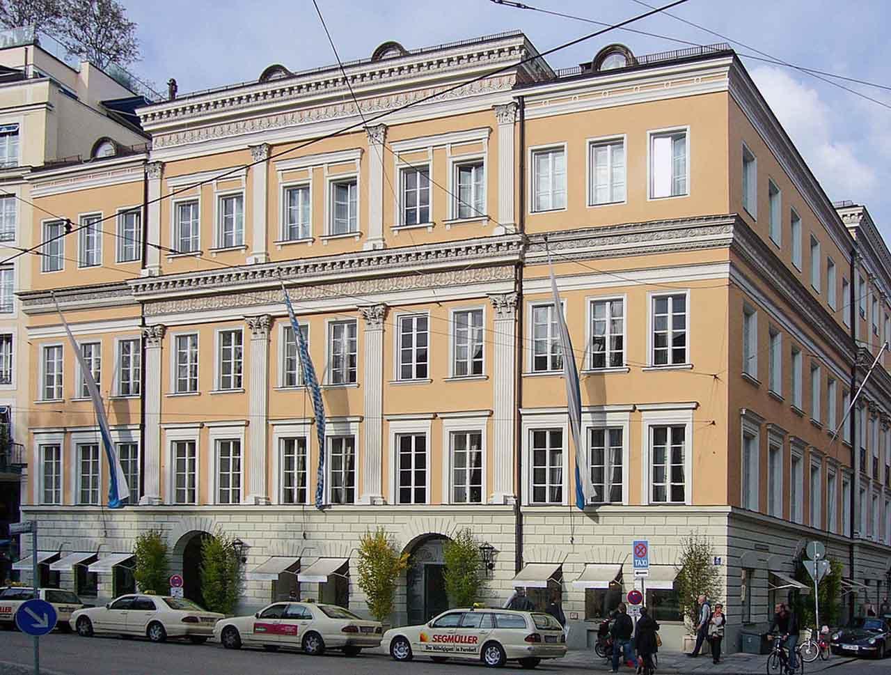Golfreisen - Bayern - München - Hotel Bayerischer Hof München | OnGolf