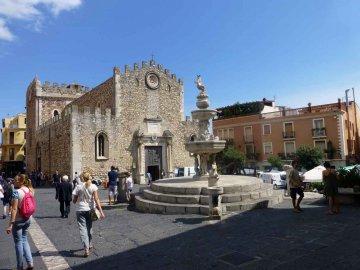 Dom, Taormina, Sizilien
