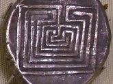 Kreta - Heraklion Archäologisches Museum - Münze mit Labyrinth