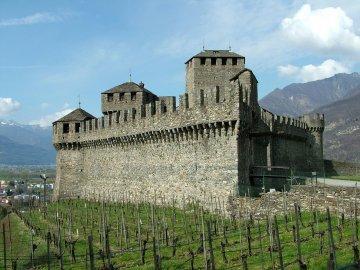 Schweiz - Tessin - Castel_di_Montebello