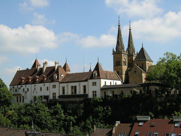Schweiz - Schloss Neuenburg